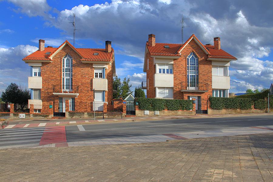 Edificación de 2 viviendas unifamiliares